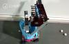 【速搜资讯】15岁女生发明捡乒乓球机器人 灵感来自农田收割机