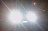 【速搜资讯】夜晚会车不关远光灯多危险?司机瞬间致盲 两辆小车惨烈对撞
