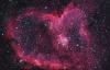 【速搜资讯】摄影师拍摄7500光年的心状星云 宇宙的终极浪漫