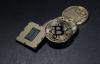 【速搜资讯】比特币暴跌10% 全球加密货币市场一日损失2600亿美元