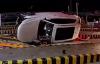 """【速搜资讯】一收费站前奥迪车""""飞上天""""!车内乘员仅轻伤 只因系了安全带"""