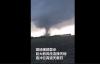 【速搜资讯】龙卷风过境黑龙江 风柱横扫厂房:漏斗云连接天地、遮天蔽日
