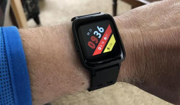 这有一款售价仅为130元的智能手表 神似Apple Watch