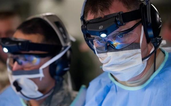 美国防控中心出品:剃胡子带口罩防毒效果更好指南图网络爆红
