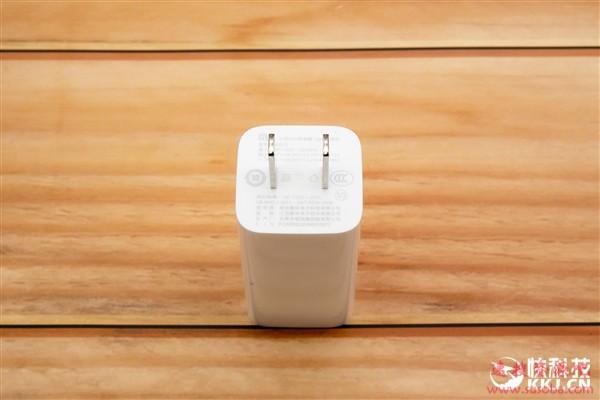 小米GaN充电器65W开箱图赏:笔记本/手机通吃