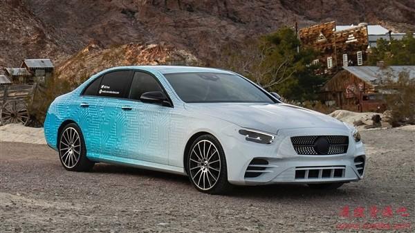 前脸变化明显!新款奔驰E级最新预告图发布:内饰妥妥的小S级