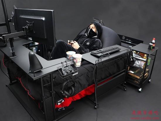 快乐肥宅的终极梦想!日厂推出懒人电竞床