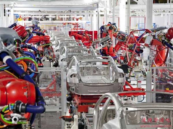 特斯拉要颠覆汽车制造? 员工:品控还不如20年前丰田!