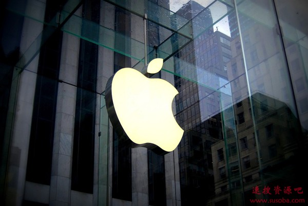 """苹果总部最新航拍:无人空旷 园区有""""彩虹"""""""