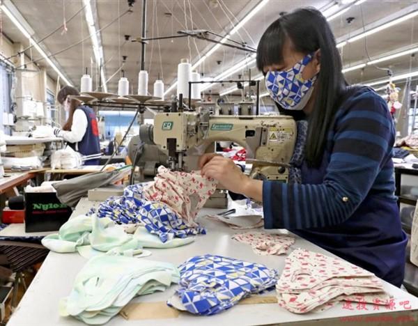 日本拼了:用泳衣生产可洗式反复多次使用口罩