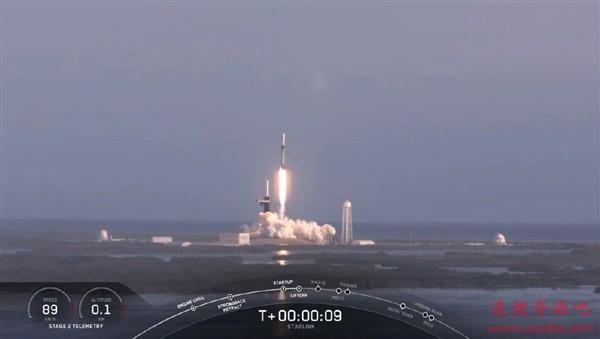 """SpaceX成功发射第一枚""""五手""""猎鹰9火箭:遗憾回收失败"""