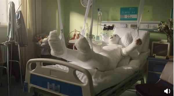 """黑鲨3支持《和平精英》语音操控:宅男四肢""""残疾""""照样吃鸡"""