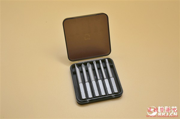 米家手自一体电动螺丝刀图赏:电动、手动随心切换