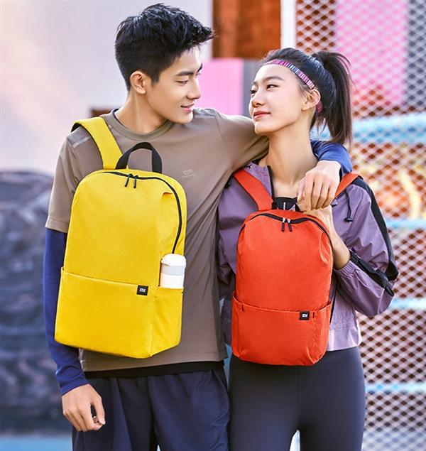 小米小背包20L版上市:四色可选 可容纳15.6英寸笔记本
