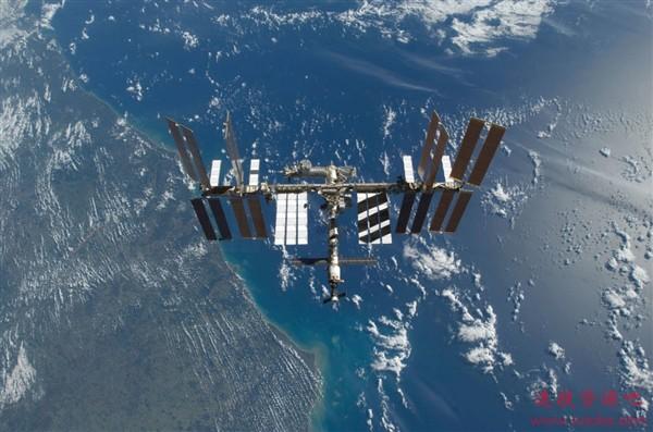 太空莴苣和地球莴苣究竟有何不同?NASA研究出炉 宇航员亲自试吃