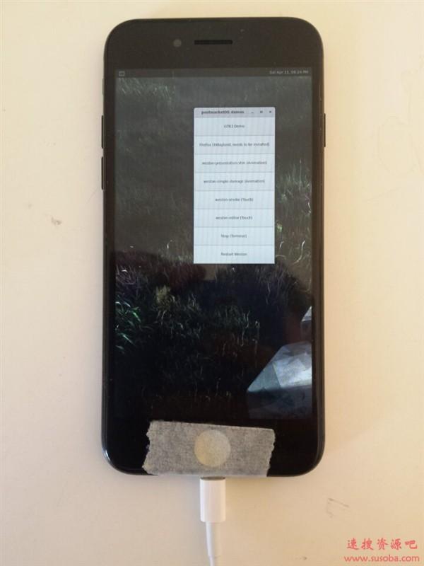 刷入安卓后:苹果iPhone 7又成功运行Linux系统