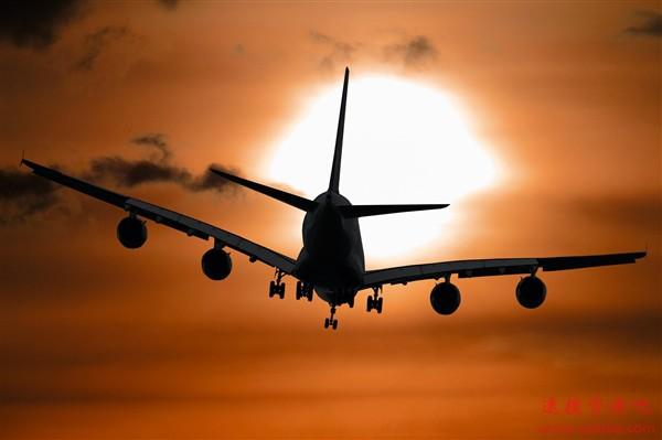 解封第一天7100多人飞离武汉:他们都去哪儿了?