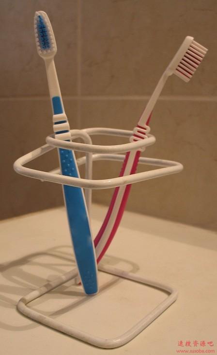 牙刷使用的误区:一篇文章告诉我们原来的习惯错了