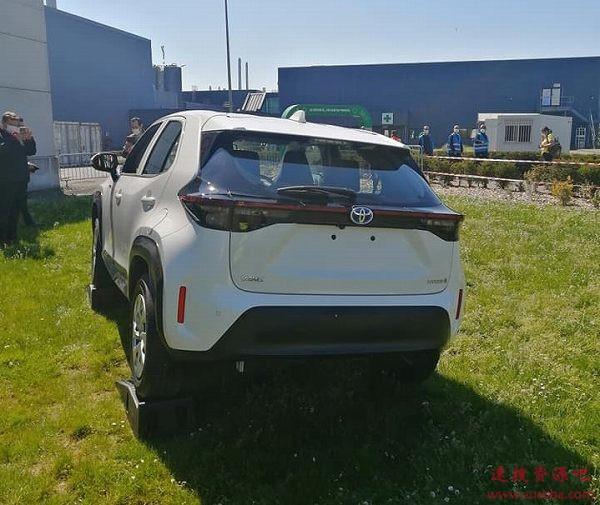 小号RAV4!丰田全新小型SUV实车首曝:TNGA+混动
