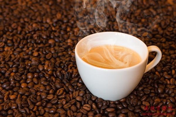 瑞幸咖啡复牌:血崩!股价暴跌超50%