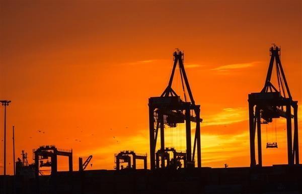 中美英三大石油期货闪崩 油价重回40美元内:两桶油再遇难题