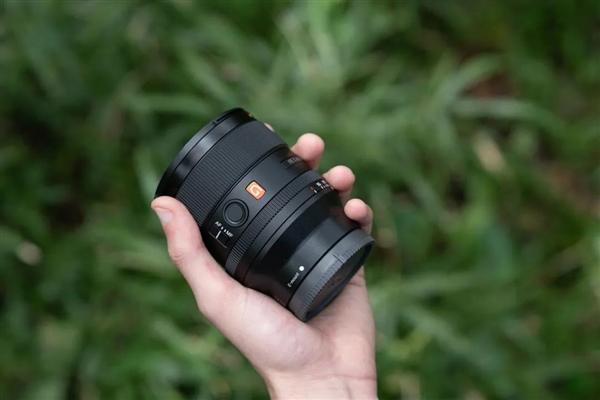 【速搜资讯】G大师新成员!索尼正式发布FE 35mm F1.4 GM镜头:11300元