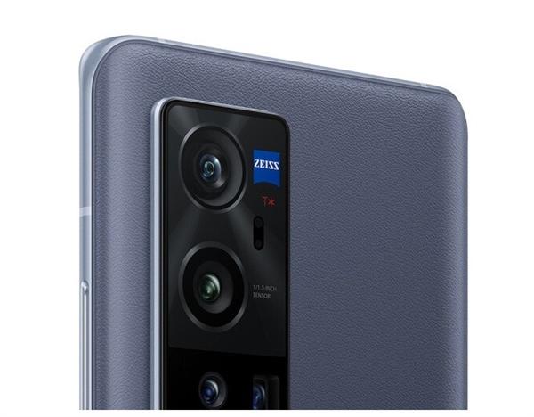 【速搜资讯】vivo X60 Pro+大批官方渲染图曝光:确认搭载双曲面屏幕 前摄居中开孔