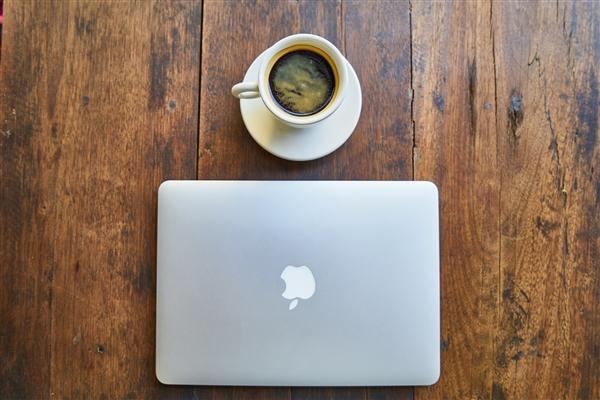 【速搜资讯】大批MacBook Pro被曝突然无法充电引关注:电量显示为1%