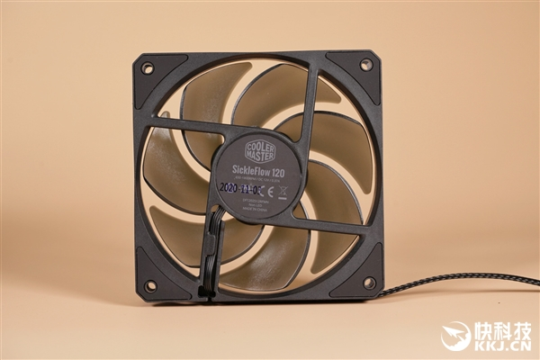 【速搜资讯】酷冷至尊MA624 Stealth散热器图赏:六热管 散热加倍