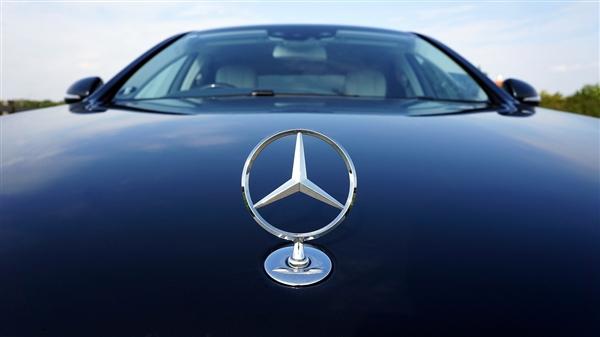 【速搜资讯】中国富人最爱的汽车品牌公布:奔驰仅排第二 劳斯莱斯第三