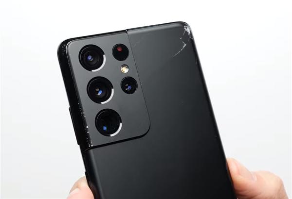 【速搜资讯】iPhone 12 Pro Max和S21 Ultra谁更耐摔?三星惨败
