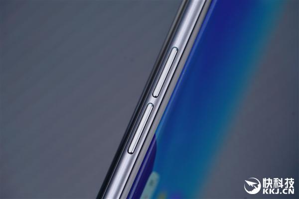 【速搜资讯】旗下史上最轻薄的5G手机 realme X7 Pro至尊版图赏