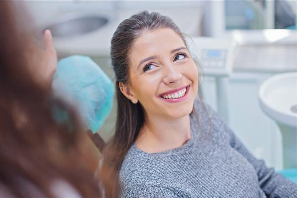 【速搜资讯】电动牙刷和普通牙刷哪个刷得更干净?医生:电动牙刷更好