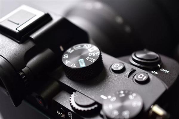 【速搜资讯】消息称索尼已放弃数码单反产品线:主攻无反相机新品