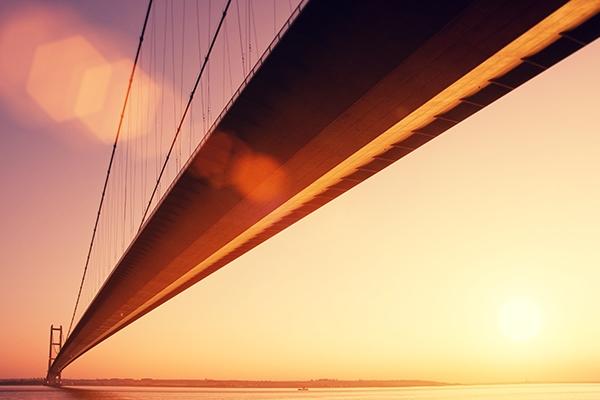 【速搜资讯】世界最长人行悬索桥向民众开放 网友:看着都怕